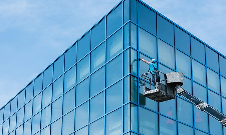 Foto Pulizia superfici vetrate